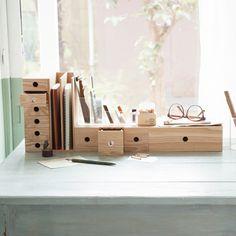 MUJI offers a wide variety of good quality items from stationery to household items and apparel. Muji Storage, Desk Storage, Desk Organization, Office Storage, Storage Ideas, Casa Muji, Muji Haus, Muji Stationery, Muji Style