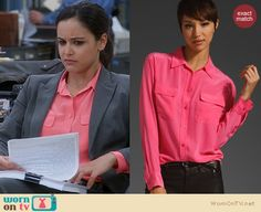 Amy's pink shirt on Brooklyn Nine Nine. Outfit Details: http://wornontv.net/22434 #Brooklyn99