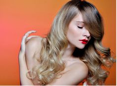 http://www.womensbeautylife.com/albums/curly_hairstyles/2010_Long_Wavy_Hairstyles_for_Women_with_Very_long_side_bangs.sized.png