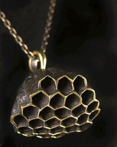Honeycomb Pendant Brass with 64 cm Chain