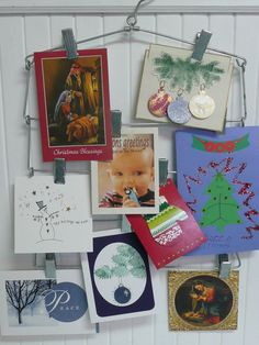 another display for your greeting cards Christmas Blessings, Christmas Greetings, Card Displays, Vintage Love, Greeting Cards, Diy, Bricolage, Xmas Cards, Do It Yourself