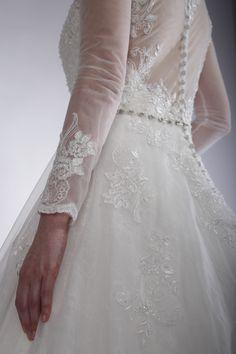 Detaliile unice din noua colectie de rochii de mireasa Sposa Toscana creaza povesti de vis pentru fiecare mireasa.