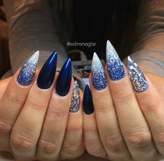 41 Trendy Nails Blue Dark Silver Glitter - Marian's World White And Silver Nails, Royal Blue Nails, Dark Blue Nails, Silver Glitter Nails, Blue Nail Designs, Cool Nail Designs, French Manicure Nails, Super Nails, Art Design