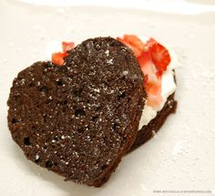 Easy and Delicious Flourless Chocolate Cake Recipe for Valentine's Day or your Anniversary <3