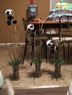 Panda themed centerpieces Panda Themed Party, Panda Birthday Party, Panda Party, Bear Party, Baby Birthday, Baby Shower Wording, Baby Shower Themes, Shower Baby, Baby Shower Centerpieces