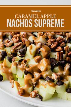 Caramel Apple Nachos Supreme Skinny Recipes, Ww Recipes, Fall Recipes, Healthy Recipes, Snacks Recipes, Diabetic Recipes, Healthy Meals, Kid Friendly Appetizers, Kid Friendly Meals
