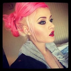 Oh, love this two tone pink hair!