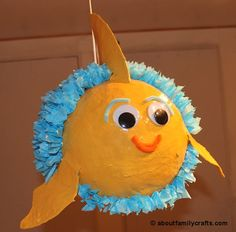 How to make a paper mache fish piñata Paper Crafts - The Ultimate Craft Ideas Paper crafts had been Paper Mache Pinata, Paper Mache Balloon, Making Paper Mache, Paper Mache Projects, Paper Mache Crafts, Craft Projects, Craft Ideas, Decorating Ideas, Craft Activities For Kids