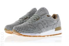 Play Cloths x Saucony Shadow 5000 S70119-4 Grey Strange Fruit Pack Titolo