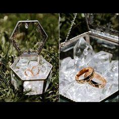 Ideas for wedding rings box black Wedding Boxes, Wedding Cards, Wedding Favors, Wedding Gifts, Wedding Decorations, Wedding Invitations, Chic Wedding, Wedding Details, Dream Wedding