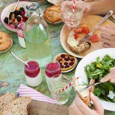 Picknick tafel op locatie: Picknick in het veld, op locatie of in een knapzak. Altijd vers, smakelijk en Hééérlijk