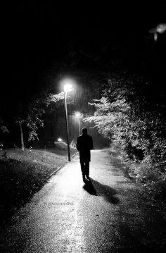 Lonely_in_the_Rain_by_phenomdesire.jpg (400×610)