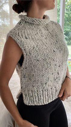 Easy Sweater Knitting Patterns, Knit Vest Pattern, Free Knitting, Beginner Knitting Patterns, Circular Knitting Needles, Knitting For Beginners, Knit Fashion, Knit Crochet, Creations