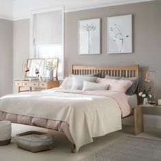 Looking for bedroom decorating ideas? Be inspired by this pale scheme with pink accents and wooden furniture Looking for bedroom decorating ideas? Be inspired by this pale scheme with pink accents and wooden furniture Home Decor Bedroom, Modern Bedroom, Master Bedroom, Taupe Bedroom, Dream Bedroom, Design Bedroom, Diy Bedroom, Blush Grey Copper Bedroom, Bedroom Wall Colour Ideas