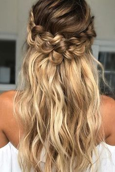 braided wedding hair loose-curls-with twisted braid beyond #haircareafterbraidremoval,