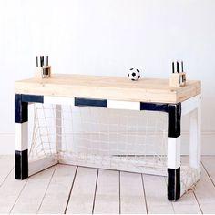 Mesa de estudos para meninos apaixonados por futebol <3 - Enzo