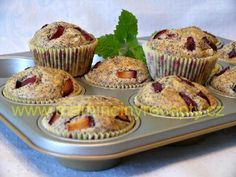 Makové muffiny se švestkami Sweet Tooth, Food And Drink, Cupcakes, Treats, Breakfast, Anna, Goodies, Cupcake, Cup Cakes