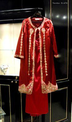 Esin Ertan - Tel kirma el islemeli Crimson Haute Couture Kaftan