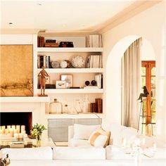 Chimenea y librería Elle Decor, Interior Decorating, Design Interior, Bookcase, Chic, Sweet Home, Lounge, Shelves, Living Room