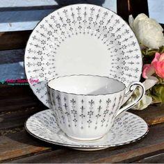 PARAGON FLEUR DE LYS TRIO Afternoon Tea Set, Vintage Tableware, Vintage Tea, Flute, Bone China, Tea Pots, Pattern, Tela, Fleur De Lis