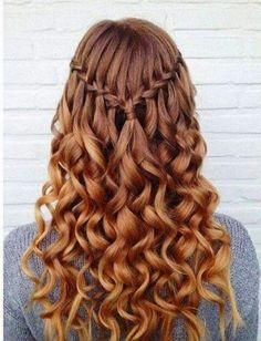 Image via We Heart It https://weheartit.com/entry/169543665 #braid #brunette #curls #curlyhair #girl #hair #hairstyle #ombre