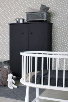 A beautiful makeover for a storage cupboard - adds a bold statement to this monochrome nursery Baby Bedroom, Baby Boy Rooms, Nursery Room, Kids Bedroom, Nursery Themes, Stars Wallpaper, Mint Wallpaper, Kids Decor, Home Decor