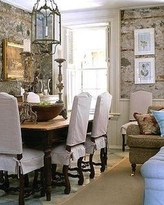 For more inspirational finds, please visit  www.quatrefoildesign.com As much as I have blogged about formal dining rooms, I have barely ...
