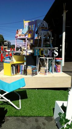 Pop up library by Julie Grant Julie Grant, Public Spaces, Pop Up, Parks, City, Fun, Travel, Fin Fun, Voyage