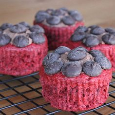 Low Fat and Low Cal: Red Velvet Stevia Cupcakes - 122 calories & 14.7g carbs per serving