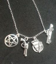 95ea08a7f0 12 pçs/lote Supernatural inspirado charme projeto colar Dean Winchester  pentagrama, Torta, Gun