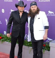 Jason Aldean & Willie Robertson! Two of my favorite things put together... Country music (singer) and Duck Dynasty (actor)!!! :) <3