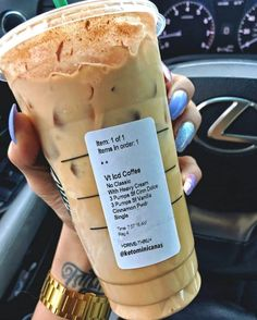 10 Starbucks Keto Drinks For Weight Loss - Meraadi Looking for some delicious starbucks keto drinks that you can order when you visit starbucks? These 10 keto starbucks drinks are exactly what you need! Starbucks Secret Menu Drinks, Starbucks Iced Coffee, Sugar Free Starbucks Drinks, Low Calorie Starbucks Drinks, Starbucks Order, Starbucks Hacks, Coffee Coffee, Iced Americano Starbucks, Starbucks Fall Drinks