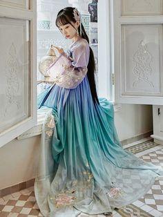 Chinese Clothing Traditional, Traditional Fashion, Traditional Dresses, Culture Clothing, Fantasy Dress, Japanese Outfits, Hanfu, China Fashion, Lolita Dress