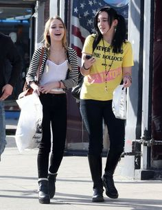 Lily-Rose Depp - Lily-Rose Depp Shops In West Hollywood