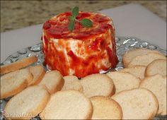 Belisquete bom e já vem praticamente pronto. Cê compra um queijinho camembert (brie também fica bom), besunta com a geleia de pimenta e serve com torradinhas. Ó, p/ quem não conhece a geleia de pim…
