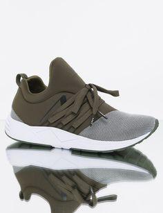 online store 5f8b5 e9ad5 Super leichter ARKK Copenhagen Sneaker in Oliv mit silbernen Mesh Besatz    Jetzt moderne Damen ARKK
