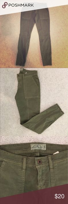 "Lucky Brand Women's Skinny Cargo Pants Brand new !!! Unused. Women's skinny ""Charlie"" cargo pants from Lucky Brand. In a beautiful olive green color. They have awesome zipper detail on the outside of the ankles as pictured. Flattering skinny fit. Women's size 2 Lucky Brand Pants Skinny"