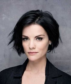 Dark Hairstyles for Short Wavy Hair