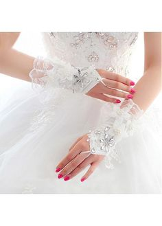 In Stock Brilliant Lace White Wrist Length Wedding Gloves With Acrylic And Flowers
