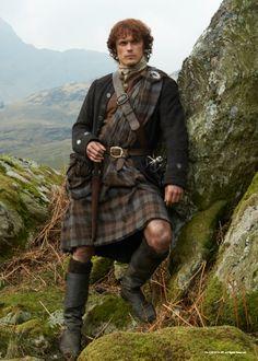 """Sam Heughan as Jamie Fraser in the series""""Outlander"""". Sam Heughan Outlander, Serie Outlander, Outlander Season 1, Outlander Gifts, Best Period Dramas, Period Drama Movies, Jamie Fraser, Claire Fraser, Great Kilt"""