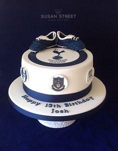 Football Cake for a Spurs fan ⚽️