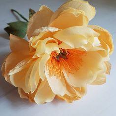 "151 Likes, 15 Comments - MARIA TARANTINO *Paper florist (@a.bee.or.two) on Instagram: ""Be honest. Play by the rules. Be kind. È quello che cerco di insegnare ai miei figli. Forse potrà…"""