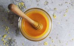 This Golden Honey Mixture Is the Strongest Known Antibiotic~ Looking for a natural way to treat small infections? Try out this amazing homemade honey mixture antibiotic. Natural Home Remedies, Herbal Remedies, Health Remedies, Allergy Remedies, Sinus Remedies, Cold Remedies, Natural Medicine, Herbal Medicine, Holistic Medicine