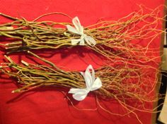 Bundles of Curly Willow Branches (full) for Wedding Centerpieces and Home Decor Floral Arrangements