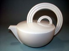 Art Deco TEAPOT ___________________________ Reposted by Dr. Veronica Lee, DNP (Depew/Buffalo, NY, US)