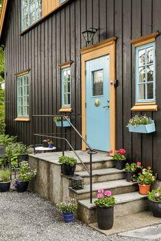 Greåker torg - Herskapelig villa med sjel og klassisk arkitektur - Sjelden mulighet! | FINN.no Fredrikstad, Real Estate, Outdoor Structures, Home, Ad Home, Real Estates, Homes, House