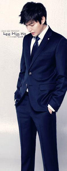 Dark blue suit - nice men's #style #fashion