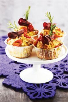Tomaatti-poromuffinit | K-Ruoka #leivonta Cupcake, Pudding, Baking, Party, Desserts, Food, Mini Desserts, Flan, Postres