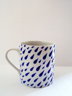 Cup made in porcelain illustrated by PhillippeSantos