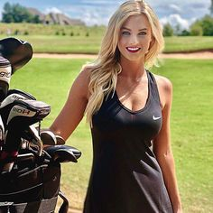 The Guide of Millionaire Dating In London Sexy Golf, Girls Golf, Ladies Golf, Lpga Golf, Cute Golf Outfit, Court Dresses, Female Athletes, Female Golfers, Foto Pose
